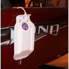 Hull Guard Fender - Small Size shown on a Lund Boat