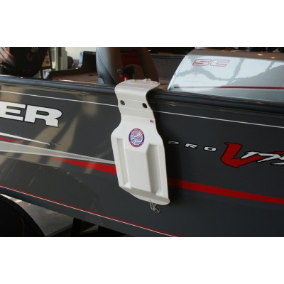 Aluminum Bass Boat Fender - Large shown on a Tracker 175 Deep V