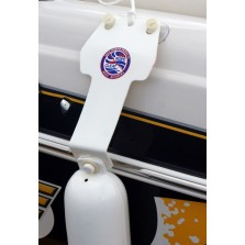 AKUA No Rope No Cleat Runabout Boat Fender Kit shown on a 22' Tracker Tahoe